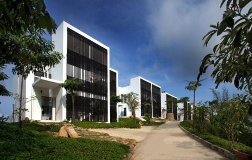 montigo resorts batam package villa entrance